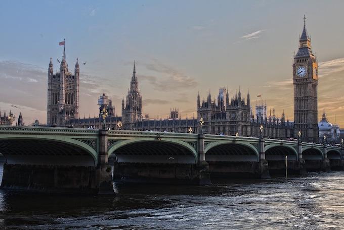Zagraniczne obozy językowe w Wielkiej Brytanii oraz w Niemczech. Akademia Wiedzy i Umiejętności